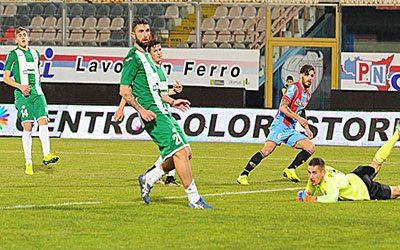 Catania-Monopoli 2-0